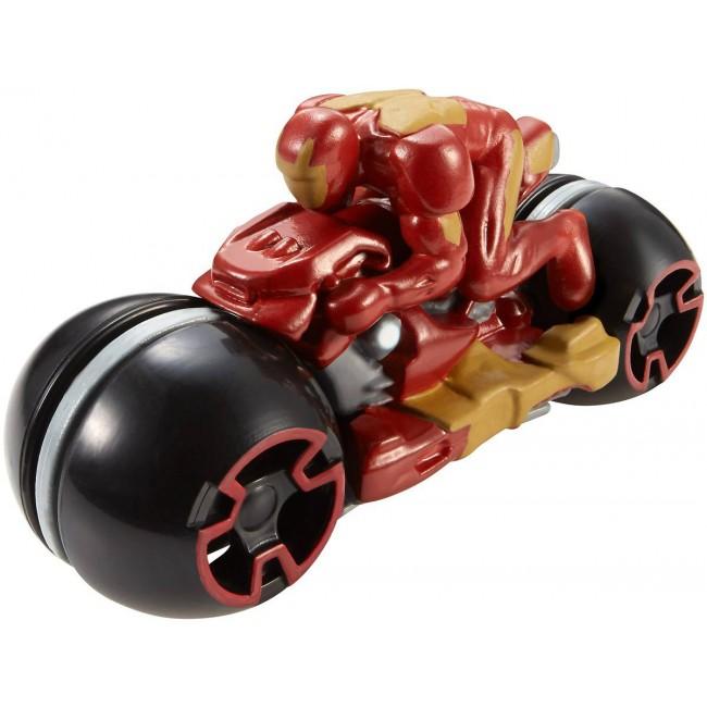 """Мотоцикл Железного человека с гонщиком из фильма """"Мстители: Эра Альтрона"""""""